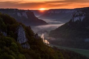 Sonnenaufgang im Donautal