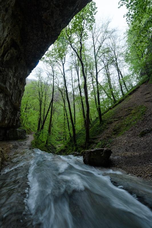 Elsach direkt an der Falkensteiner Höhle