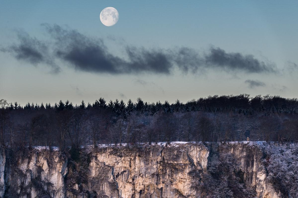 Rutschenfelsen und Mond