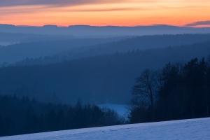 Winterabend auf der Schwaebischen Alb bei Lauterach