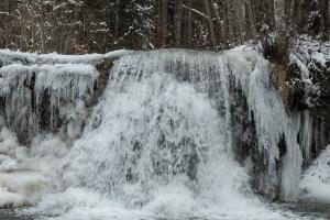 Schlichemwasserfall, teilweise gefroren