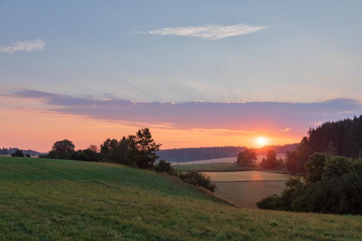 Sonnenaufgang am Härtsfeld