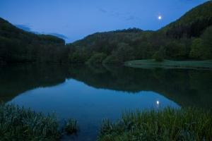 Gönninger See in der Blauen Stunde